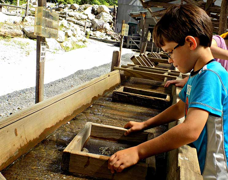 Gem Mining for Kids in Raleigh-Durham, NC | Xtreme Park